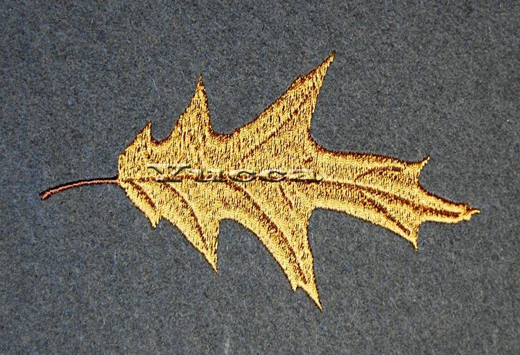 Autumn leaves free machine embroidery design